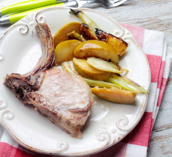 Receta chuletas de cerdo con manzana hinojo y aceite de for Cocinar hinojo