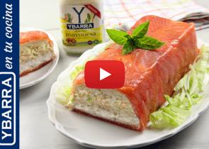 Pastel de salmón, pan de molde y Mayonesa Ybarra