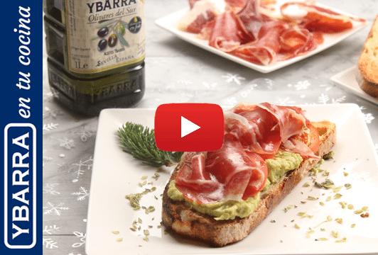 Tosta de aguacate, tomate, jamón y aceite de oliva Virgen Extra Ybarra